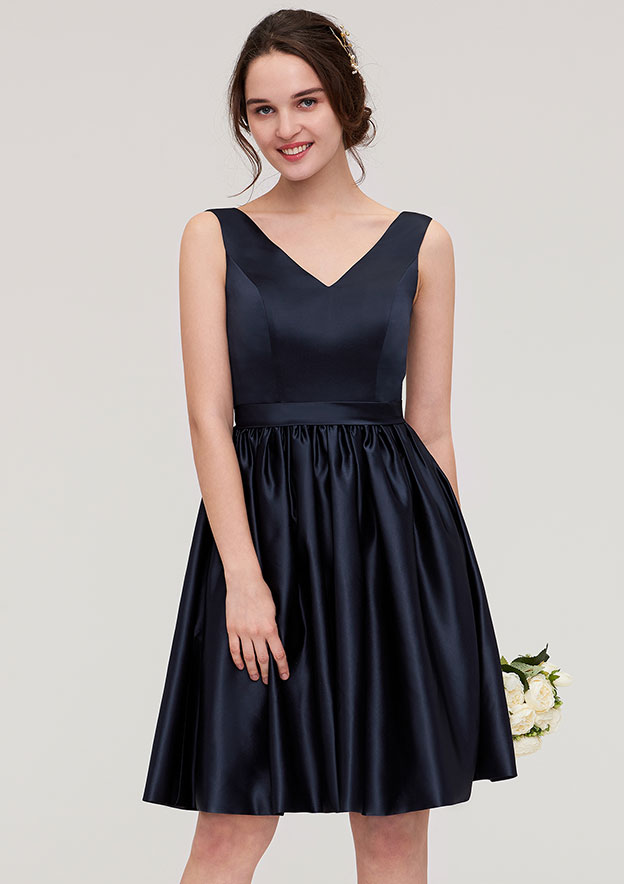 A-Line/Princess V Neck Sleeveless Knee-Length Satin Bridesmaid Dress With Pleated