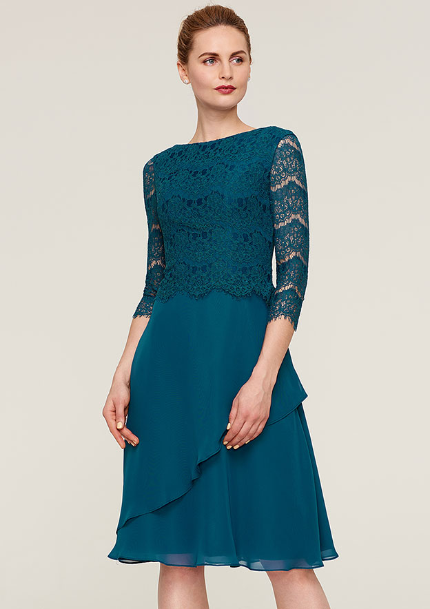 A-Line/Princess Bateau 3/4 Sleeve Knee-Length Chiffon Mother Of The Bride Dress With Lace Ruffles