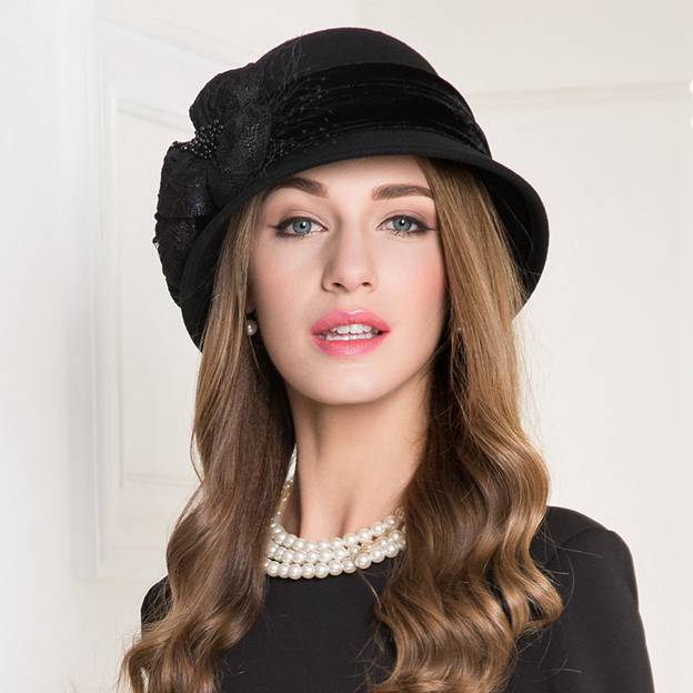 Ladies' Classic/Elegant Wool Bowler/Cloche Hats/Tea Party Hats With Beading Tulle Bowknot