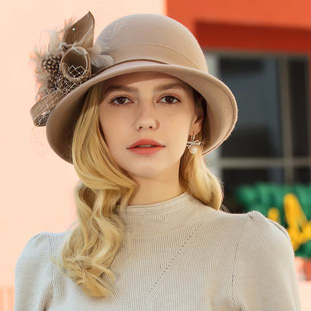 Ladies' Elegant/Charming Wool Bowler/Cloche Hats/Tea Party Hats With Tulle Feather