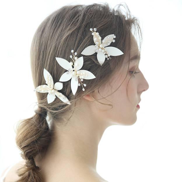 Ladies Freshwater Pearl/Imitation Pearls With Flower/Rhinestone Hairpins