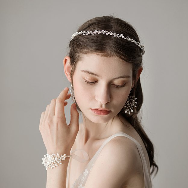 Ladies Beautiful/Elegant Freshwater Pearl With Venetian Pearl Headbands (Set of 4)