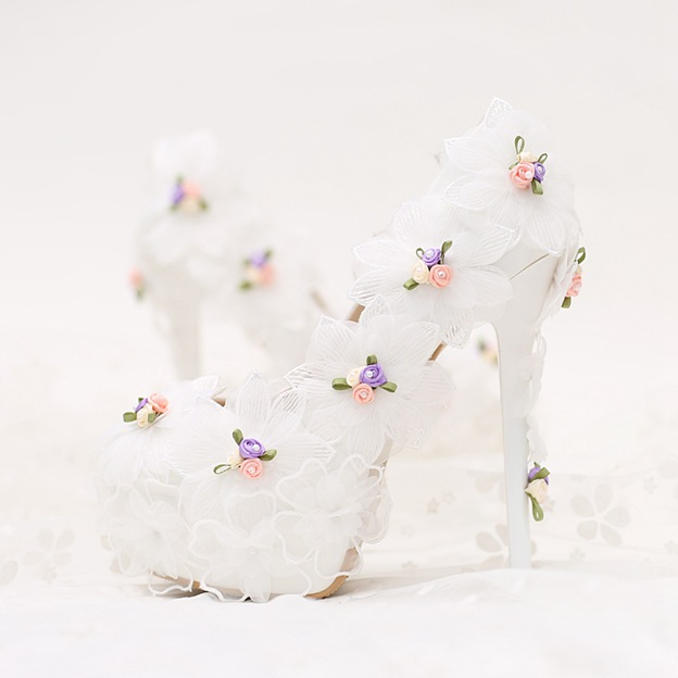Women's PU With Flowers Close Toe Heels Shoes