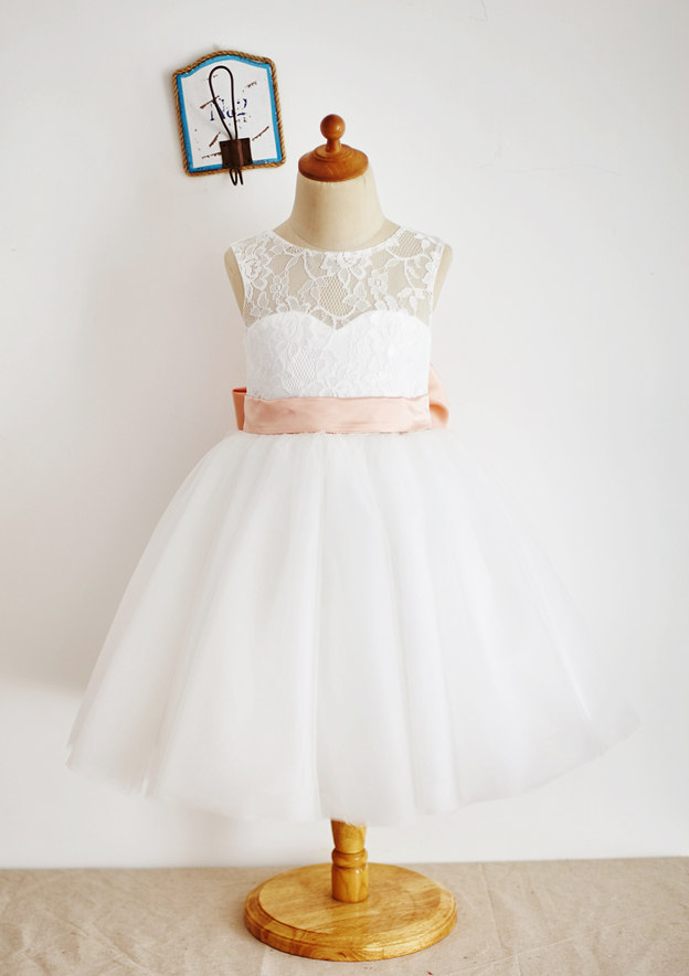A-line/Princess Knee-Length Scoop Neck Lace/Tulle Flower Girl Dress With Bowknot/Sashes
