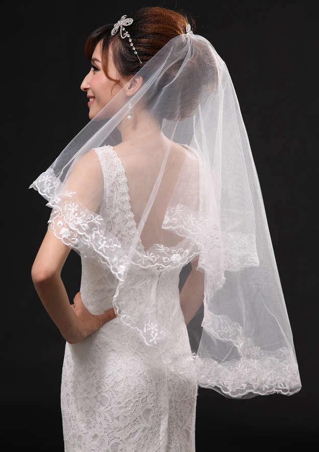 Two-tier Lace Applique Edge Tulle Fingertip Bridal Veils