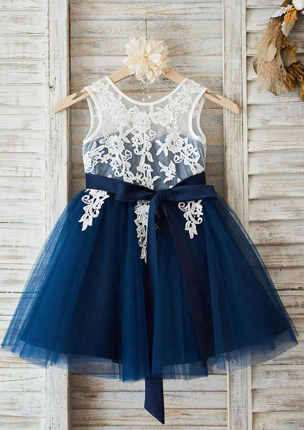 A-line/Princess Knee-Length Scoop Neck Lace/Tulle Flower Girl Dress With Sashes
