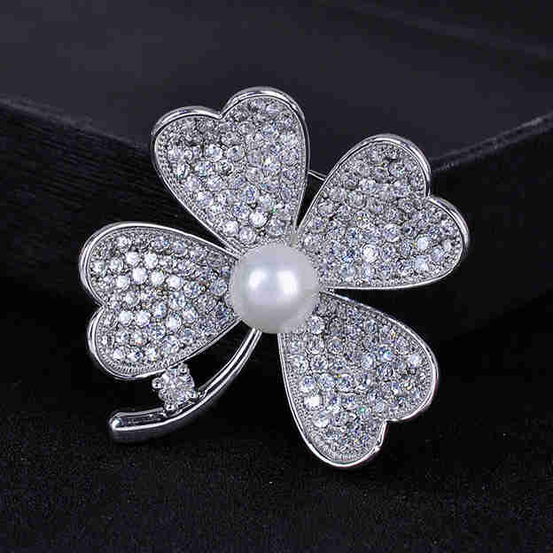 Women's Beautiful Silver Brooches With Cubic Zirconia/Imitation Pearls